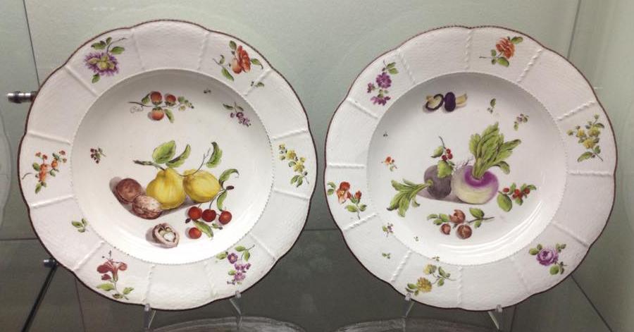 Museo gianetti coppia di piatti - Piatti di frutta decorati ...